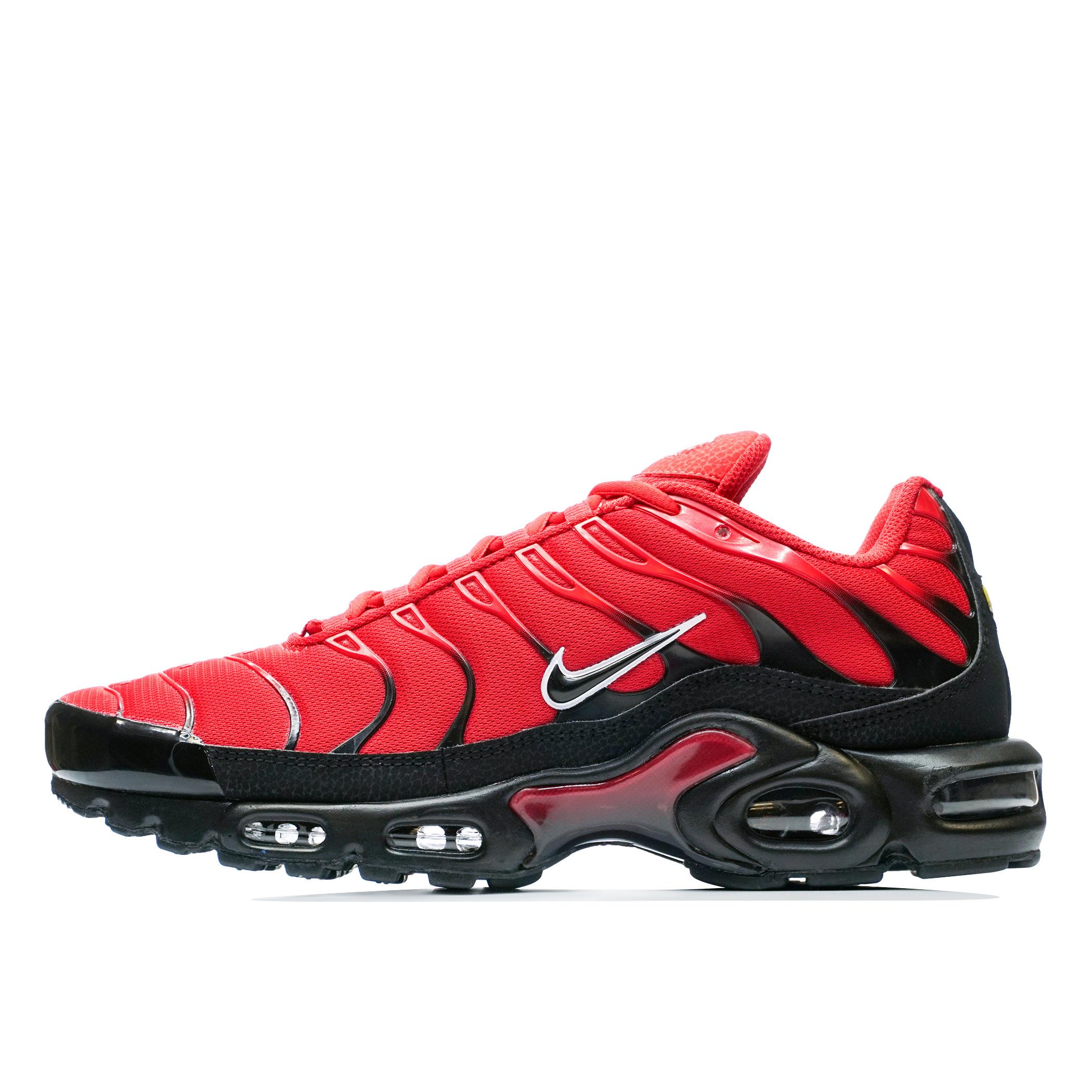 f93230aa Мужские кроссовки Nike Air Max Plus University Red/Black-White - фото 1