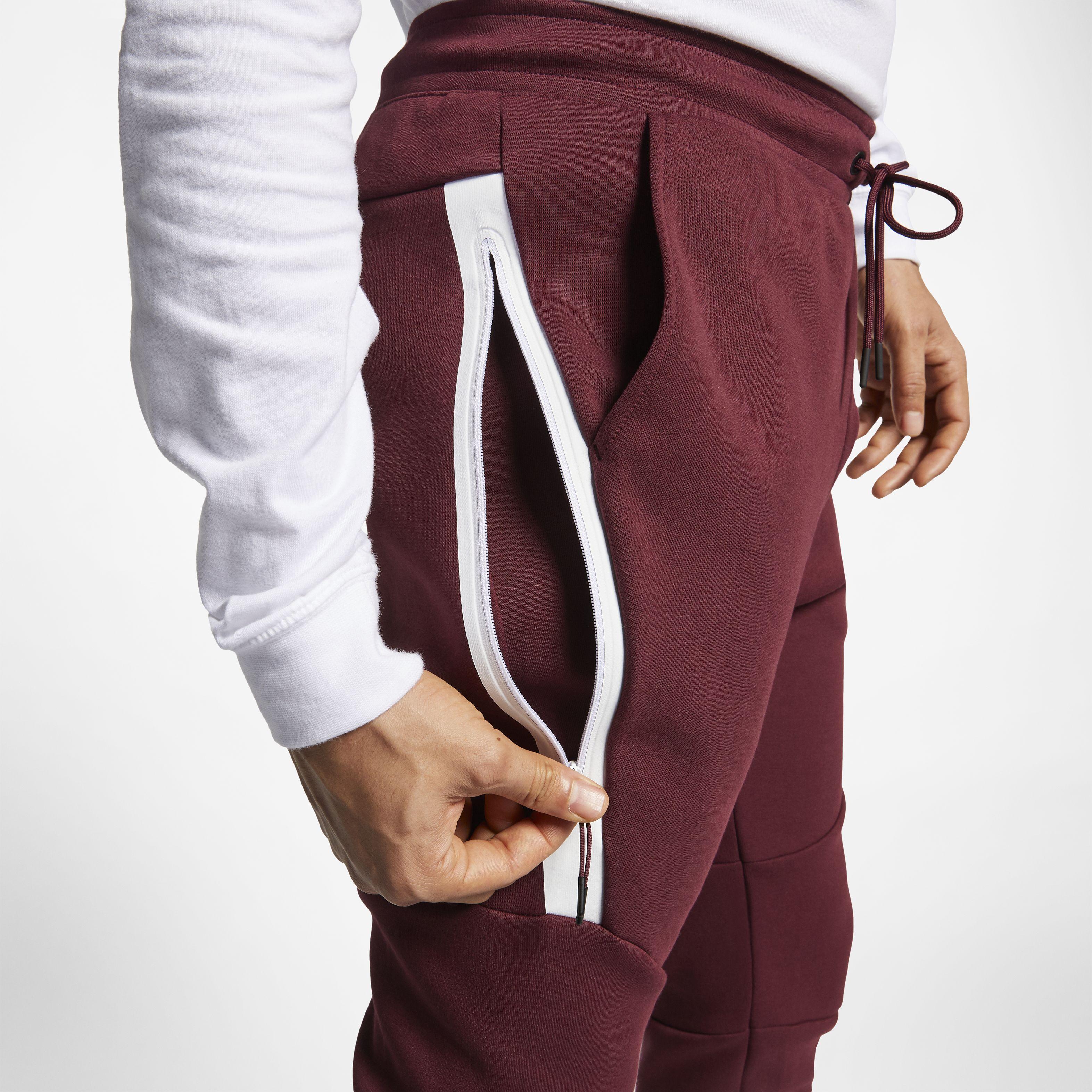 5e7d056a Мужские брюки Nike Sportswear Tech Fleece Joggers Night Maroon/White - фото  5