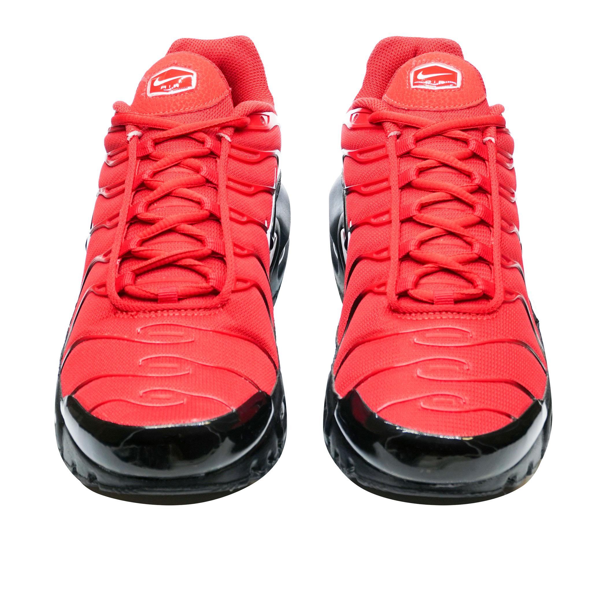 b3c2f739 Мужские кроссовки Nike Air Max Plus University Red/Black-White - фото 3