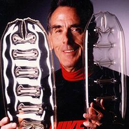 02e7bcf5 По-настоящему громко технология заявила о себе в 1987 году, во время  кризиса в Nike. В этот год дизайнеры выпускают коллекцию Air MAX.